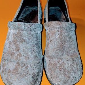 Sonoma nursing shoes